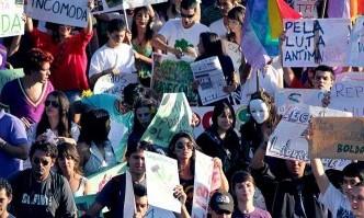 juventude é engajada, solidária e generosa; Educação é que parou na era industrial